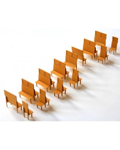 Holzlatten Bänke für Personenwagen - fertig montiert